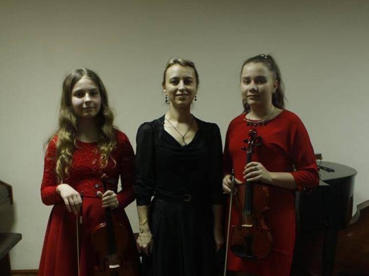 У Маневицькій дитячій музичній школі провели звітний концерт