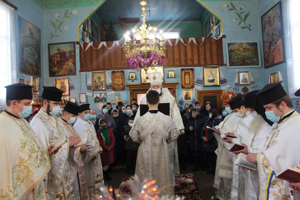 У Боровичах Митрополит Михаїл відправив літургію в храмі