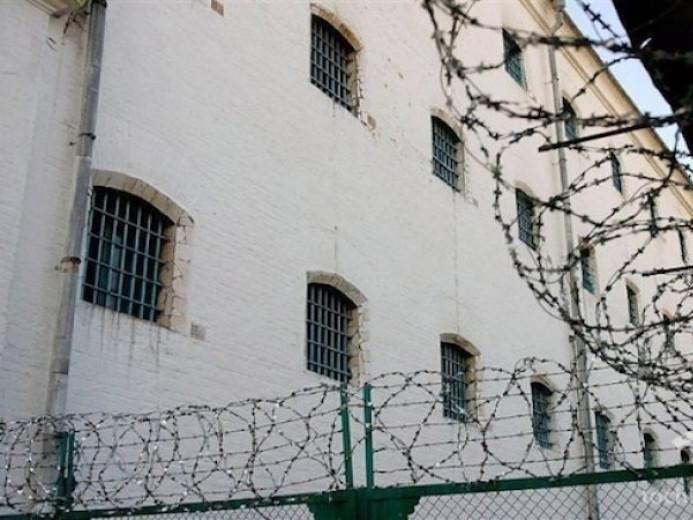 В'язню Маневицької колонії додалидва роки позбавлення волі за хабар у 500 гривень