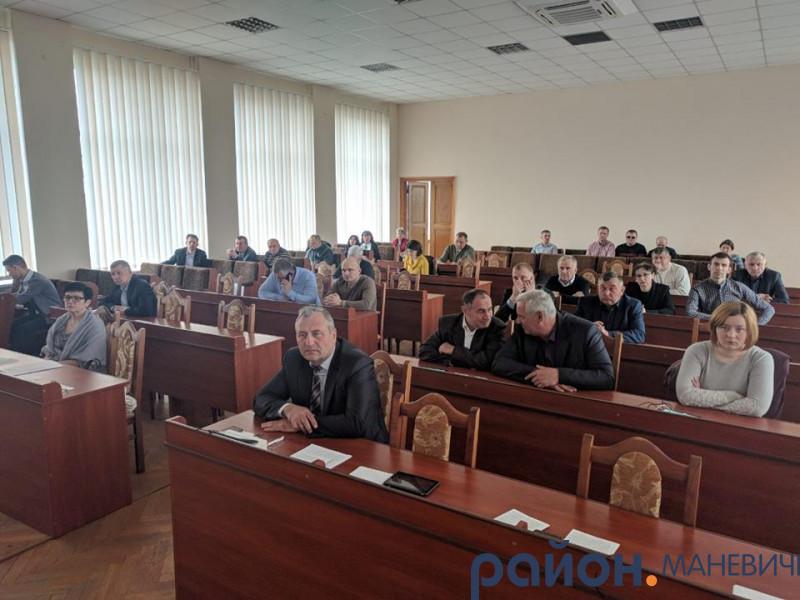 Депутати Маневицької райради просять Палицю прийти на роботу