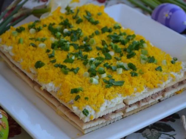 Рецепт салату з крекерами