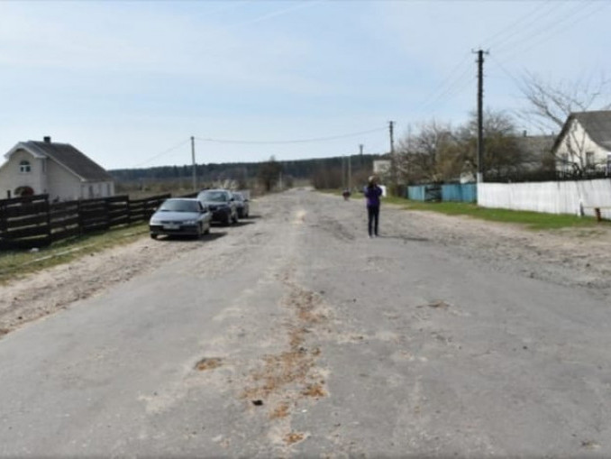 На ремонт дороги та електрифікацію Маневиччина отримала 1,4 мільйона євро