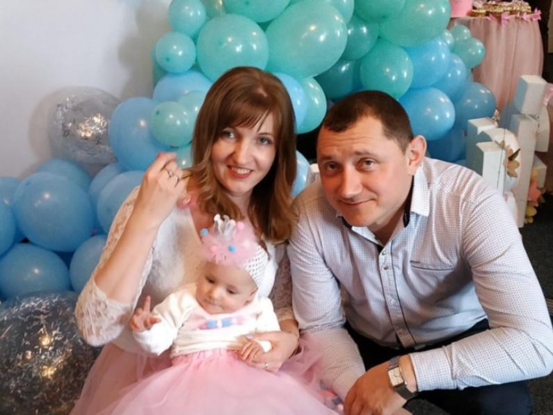 Допоможіть маленькій Марійці з Володимира почути цей світ