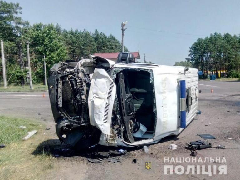 З'явилось відео аварії біля Оконська за участю швидкої допомоги