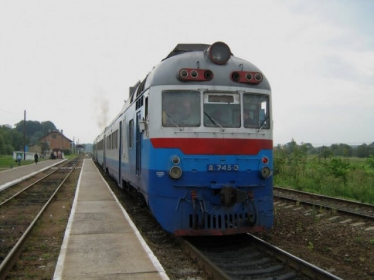 Через ремонт колій тимчасово не курсуватиме поїзд з Ковеля до Сарн / Фото ілюстративне
