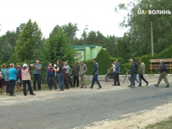 Жителі Галузії не пустили техніку на бурштинову територію