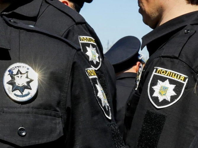 У Маневицький відділ поліції шукають людей