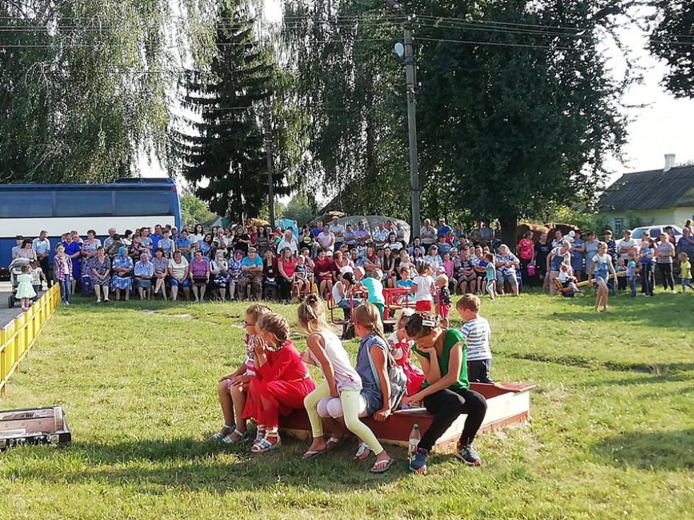 Золоте весілля з маневицькою сотнею: як у Чорнижі відзначали день села