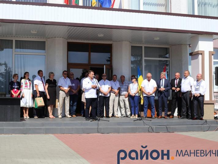 На святкуванні Дня Незалежності в Маневичах побували делегації із Литви, Польщі та Білорусі