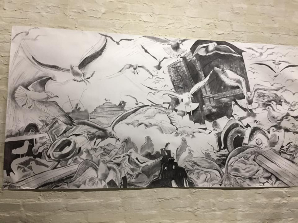 У «Музеї Корсаків» Белла Логачова презентувала малюнки з «Сірої зони: війна поруч»