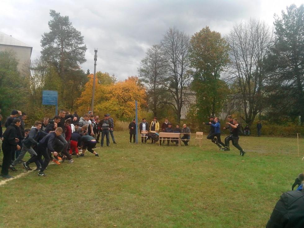 У Маневичах відбувся спортивно-розважальний захід «Козацькі забави»