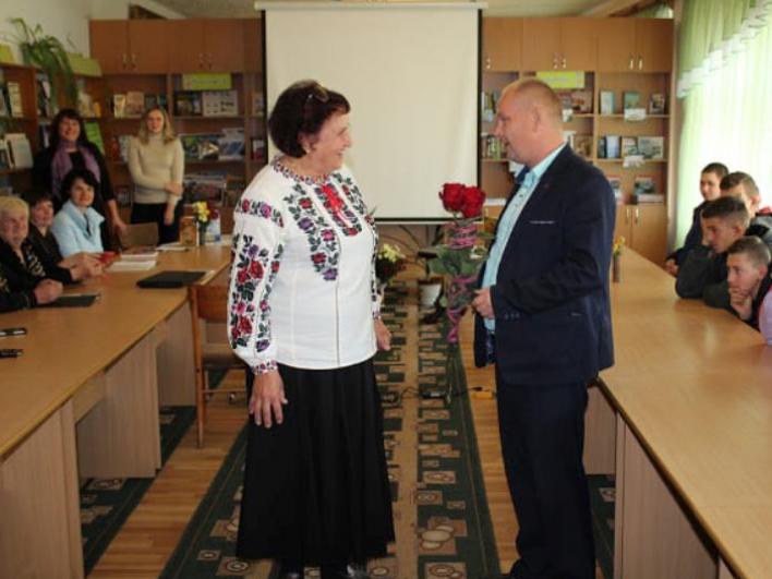 У Маневичах відбулася зустріч з поетесою Марією Волинською
