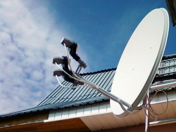 Власникам супутникових тарілок вимкнуть 23 канали: які, коли і що з цим робити