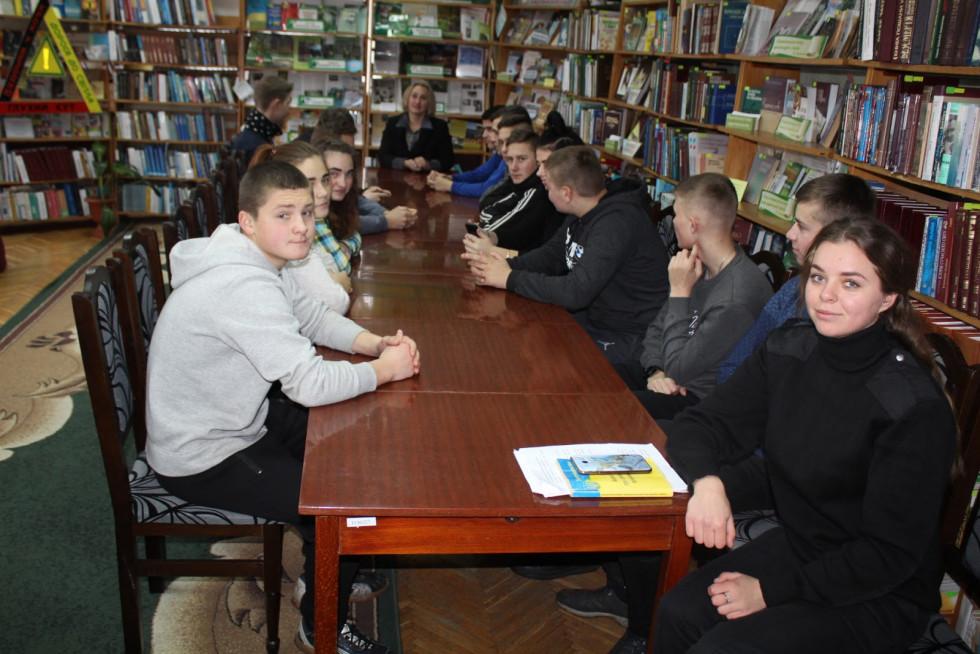 У Маневичах провелизустріч-діалог «Особиста відповідальність –пріоритетна риса громадянина»