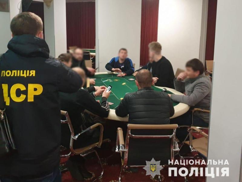 У Маневичах поліцейські припинили діяльність гральних закладів