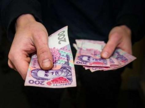 Житель Маневиччини заплатить штраф за те, що пропонував хабара поліцейському