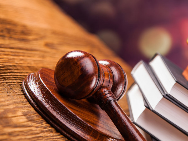 Судили жителя Маневиччини, який не пускав свою жінку до будинку