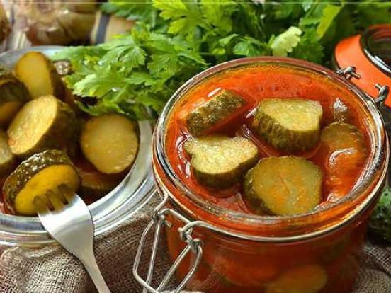 Рецепт огірків у томатному соку