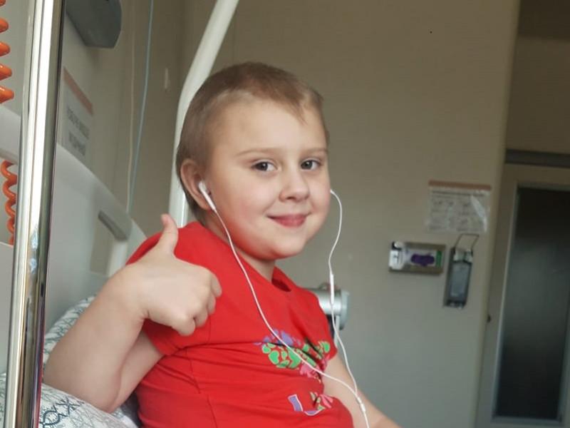 Сім'я рятувальника з Рівненщини потребує коштів на дорогу хімієтерапію для 6-річної донечки