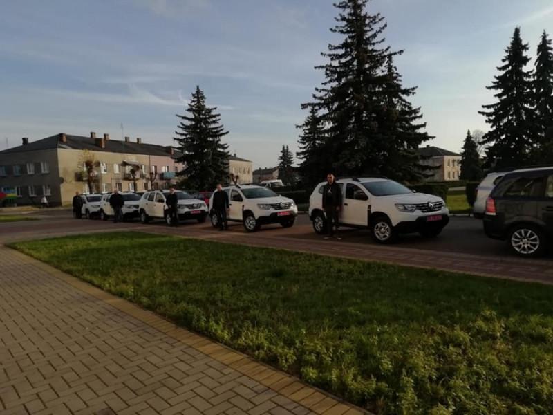 У Маневицькій первинній ланці медицини отримали п'ять службових автомобілів