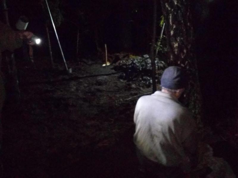У Лісово затримали чоловіка, який нелегально видобував бурштин