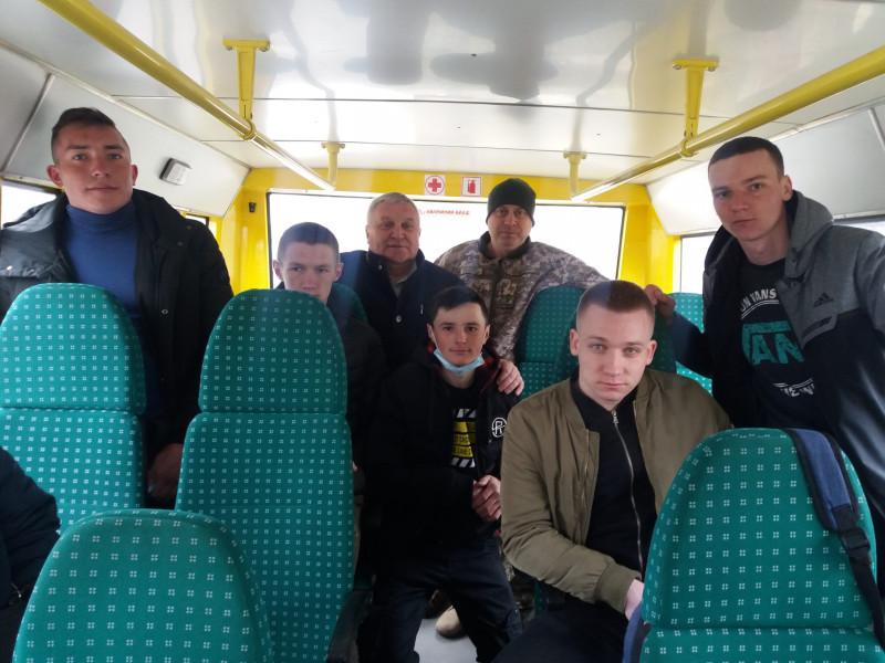 У Маневицькій громаді відбулись урочисті проводи юнаків на строкову службу
