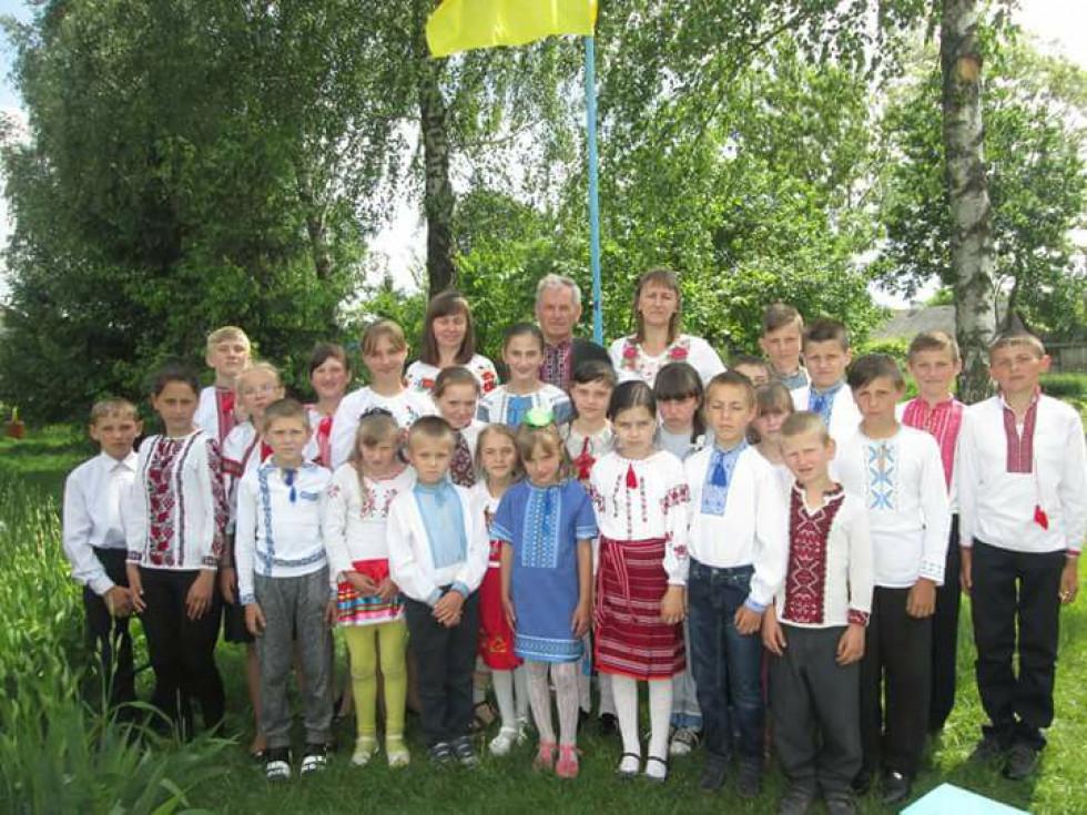 Школа в селі Вовчецьк