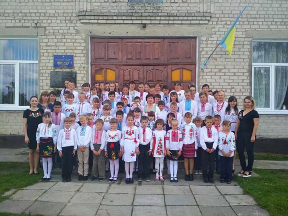 Школа в селі Тельчі
