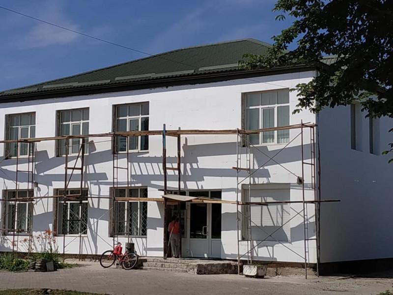 Ремонт будівлі Ощадбанку у Маневичах