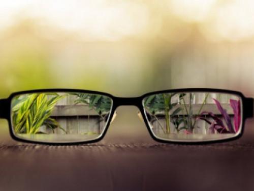Жителів Маневиччини запрошують провести діагностику зору