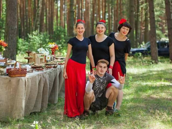 Стильні панянки і ветерани АТО запрошують Маневичан на родинне свято