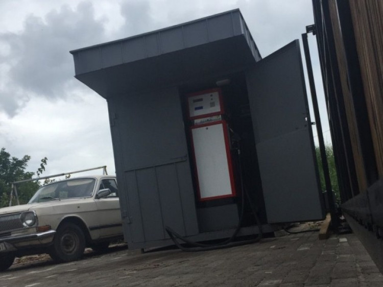 На Маневиччині фіскали виявили підпільну АЗС