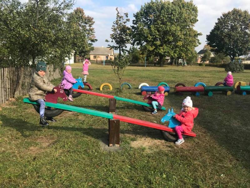 У Галузійському дитячому садочку встановили нові ігрові комплекси