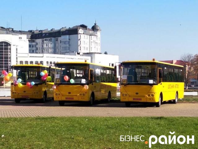 На Маневиччині навчальні заклади отримали два нових автобуси «Богдан»