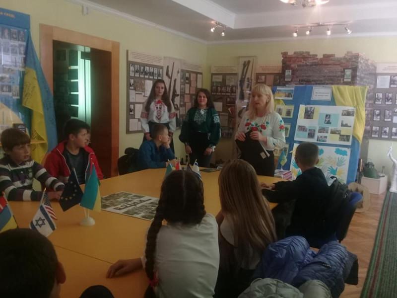 У Маневицькому музеї провели тематичний урок «Слава козацька, вічно жива»