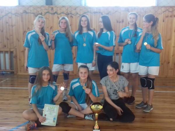 У Старому Чорториську провели турнір з волейболу серед дівчат
