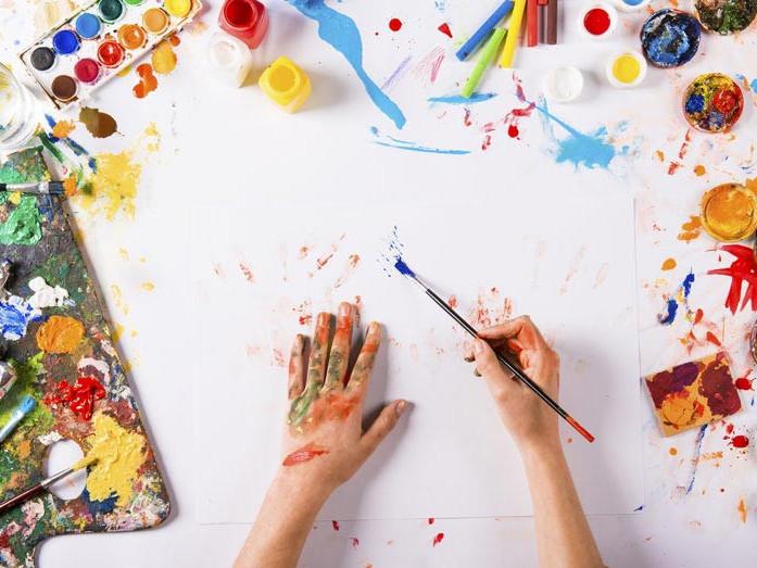 У Маневицькому ліцеї поєднали арт-терапію та майстер-клас з малювання
