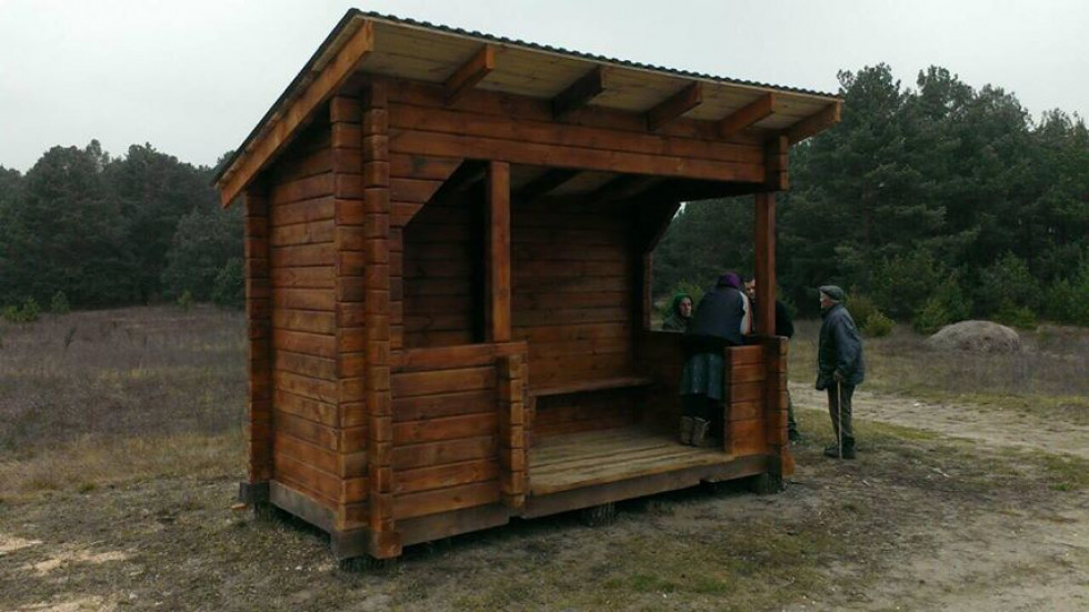 Працівники Маневицького ДП « Польське ЛГ» встановили еко-зупинку на території району