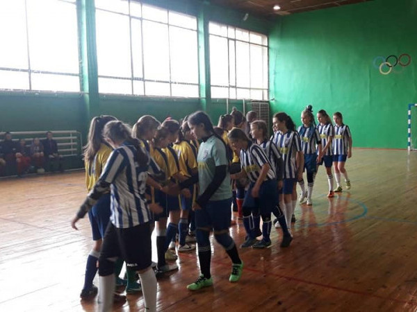 У Маневичах організували змагання з футзалу серед дівчат