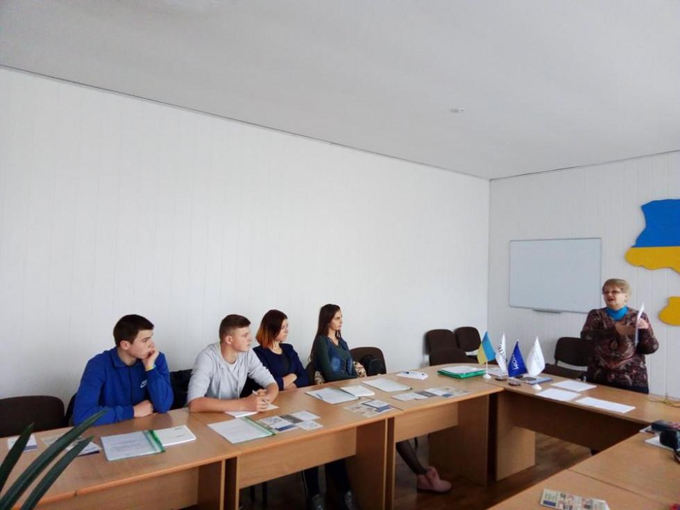 У Маневицькому ліцеї провели тренінг для тих хто їде на заробітки за кордон