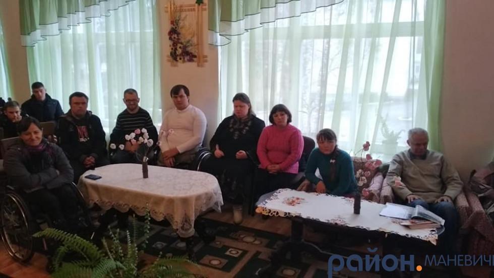 У Маневицькому ліцеї говорили про про добро, милосердя та життя