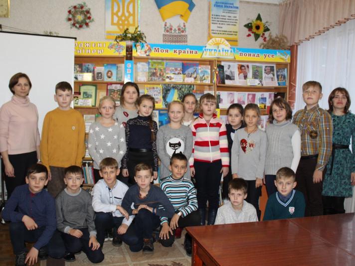 Маневицьких школярів познайомили із творчістю Івана Андрусяка
