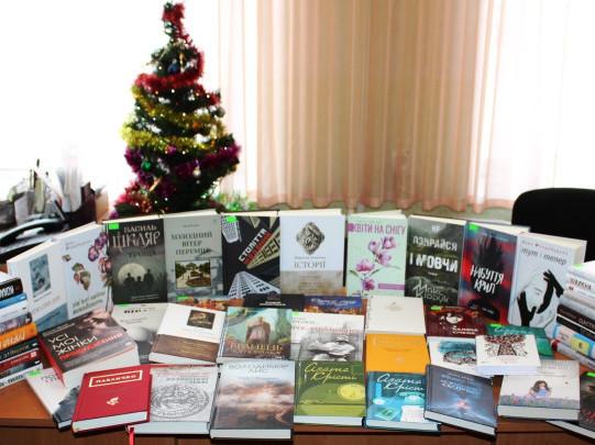 Маневицьку бібліотеку поповнили новими книгами