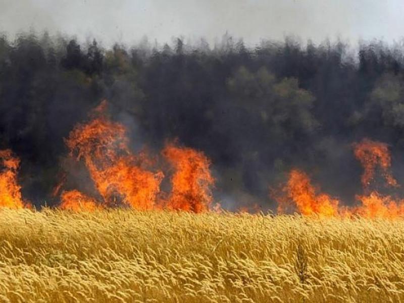 Маневицькі рятувальники нагадують про правила пожежної безпеки в період підготовки та збирання зернових