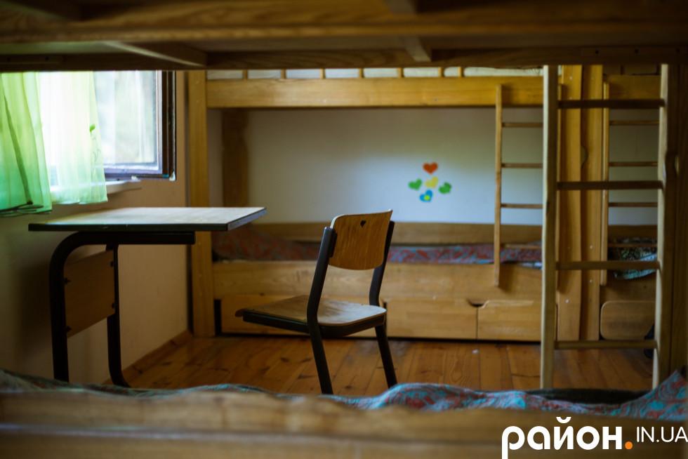 У одній з кімнат, де проживають учасники табору